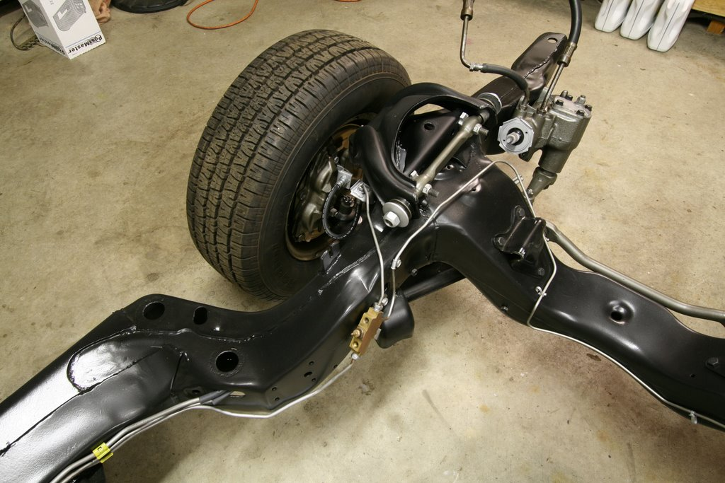 Squid\'s Fab Shop 1967 GTO Frame Restoration