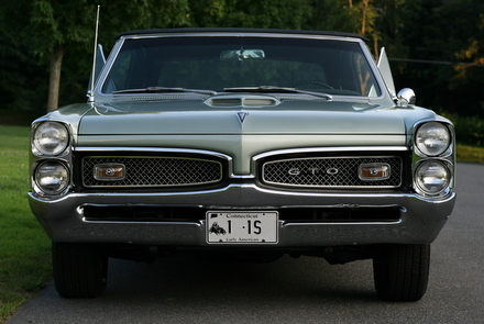 1967 GTO front view